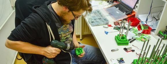 Luka working on Koruza in the lab